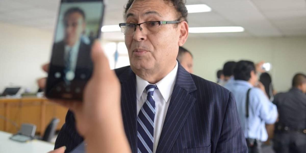 Magistrado Eddy Orellana es beneficiado con Q20 mil de fianza