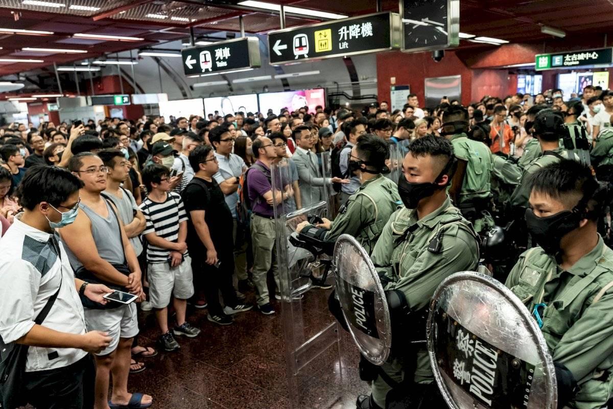 La medida aprobada este viernes constituye como delito el uso de máscaras en manifestaciones