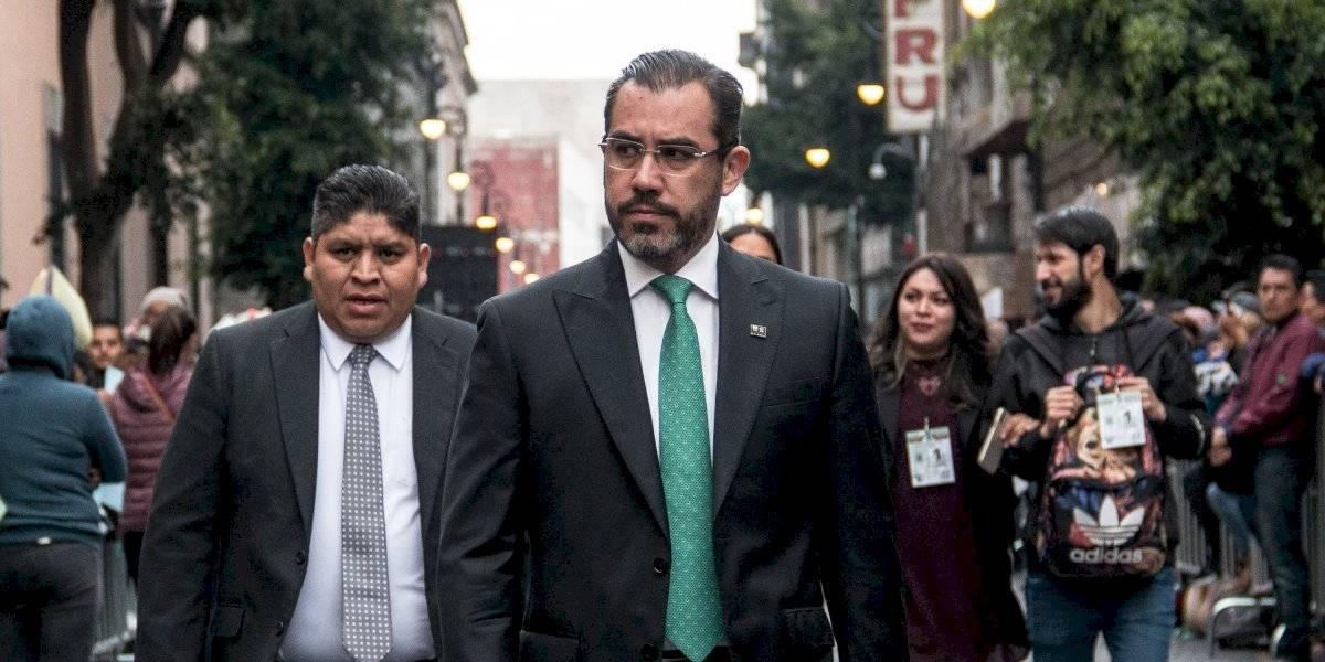 Renuncia Jesús Orta a la SSC; llega Omar García