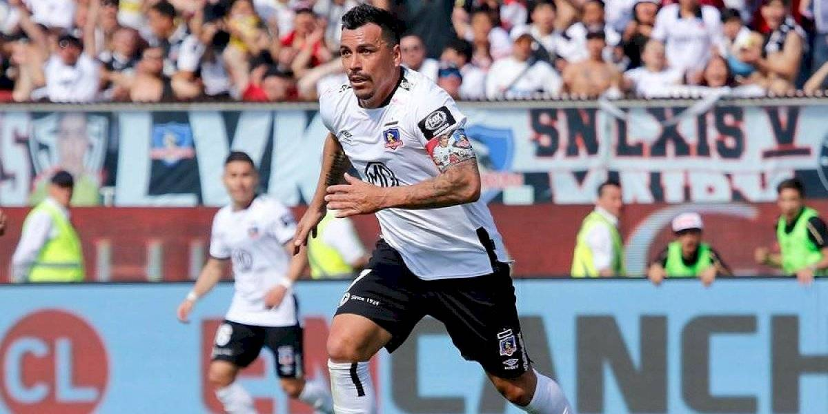 Esteban Paredes superó el récord de Chamaco Valdés contra la U y es el máximo goleador de la historia del fútbol chileno