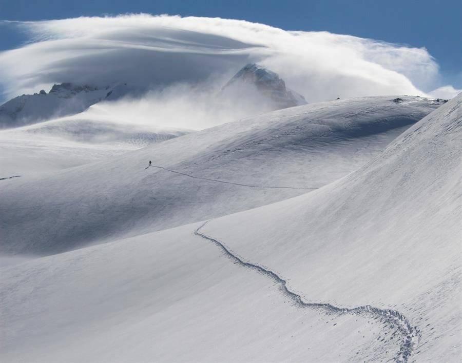 Otros grandes glaciares patagónicos como el Upsala -765 kilómetros cuadrados- y el Viedma -977 kilómetros cuadrados- casi cuadruplican y quintuplican, respectivamente, la superficie total de la ciudad de Buenos Aires. EFE