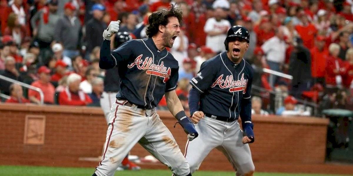 Braves remontan en la novena y toman ventaja en serie ante Cardinals