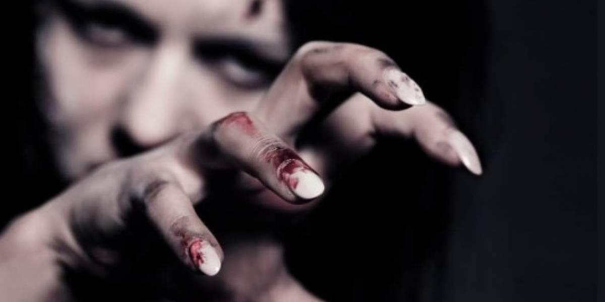 Conoce el caso de una mujer que se maquilló como zombie y terminó hospitalizada