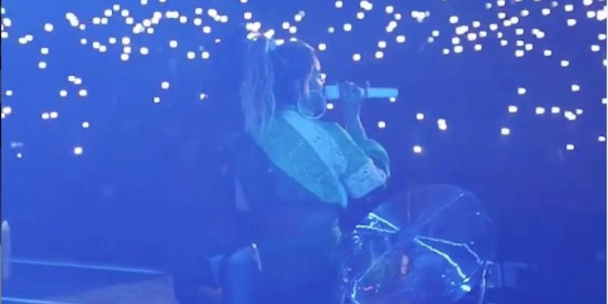 'Por poquito' Karol G se cayó mientras salía de un show en Atlanta