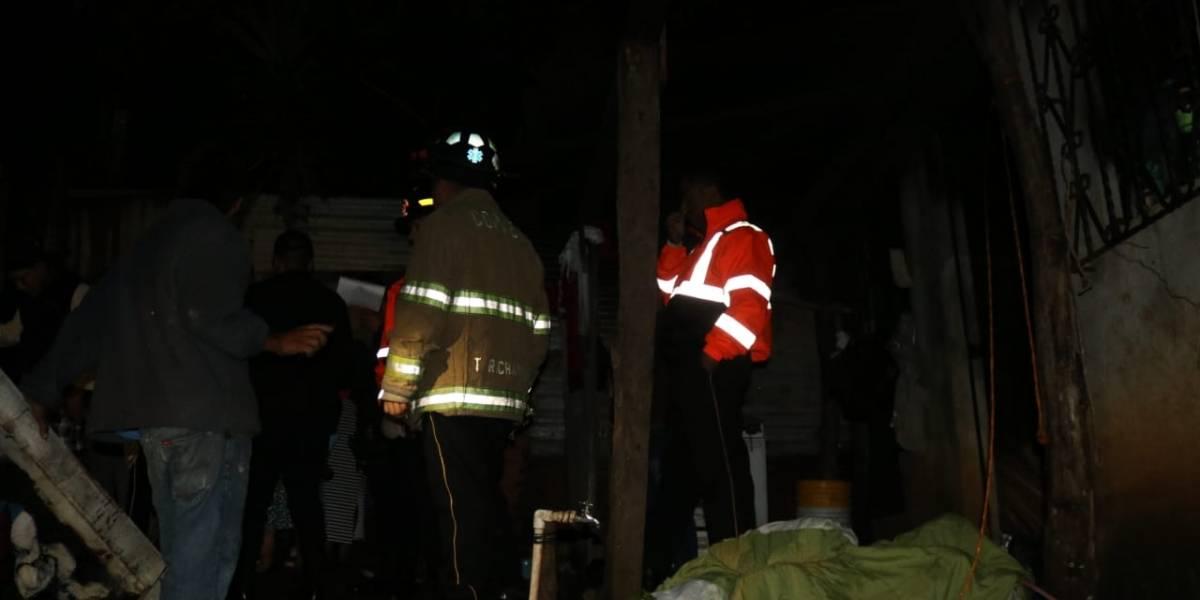 Fiscales investigan trágica muerte de joven en un incendio en carretera a El Salvador