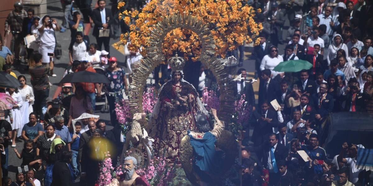 EN IMÁGENES. Virgen del Rosario recorre el Centro Histórico