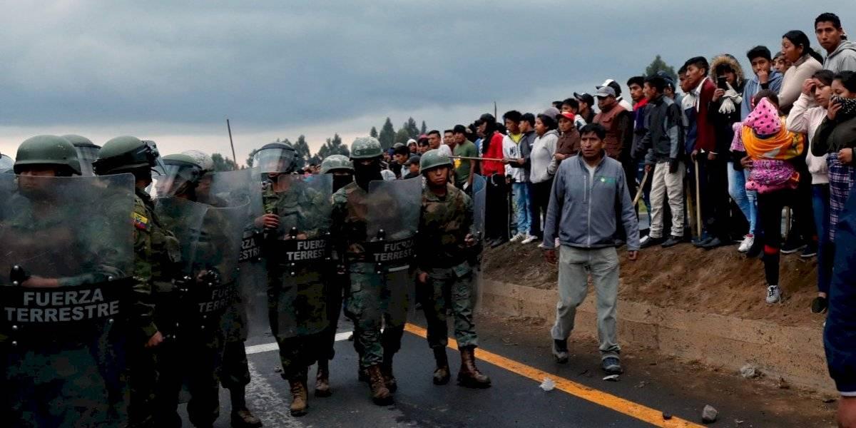 Veinte mil indígenas de Ecuador marchan hacia Quito en protesta por el alza de los combustibles decretada por el gobierno