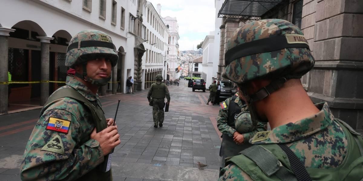 Protestas en Ecuador: Fuerzas Armadas inician vuelos para el traslado de productos de primera necesidad