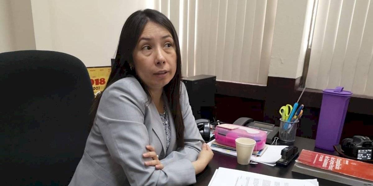 Jueza Aifán insiste en ser querellante en contra de una trabajadora del OJ
