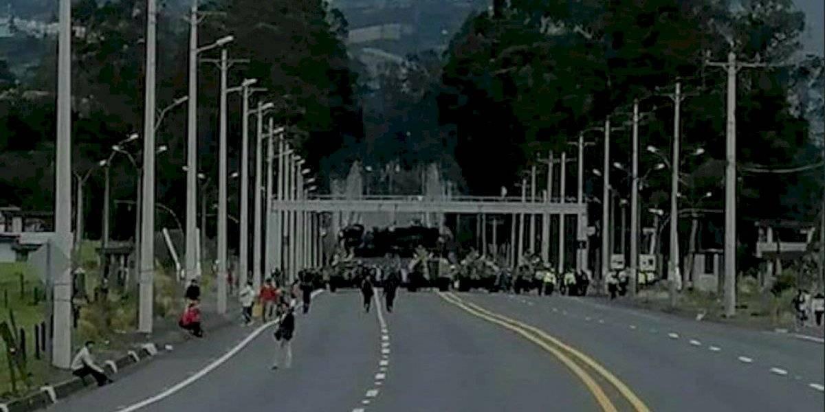 Manifestantes se encontraron con un gran cerco militar y policial en Tambillo