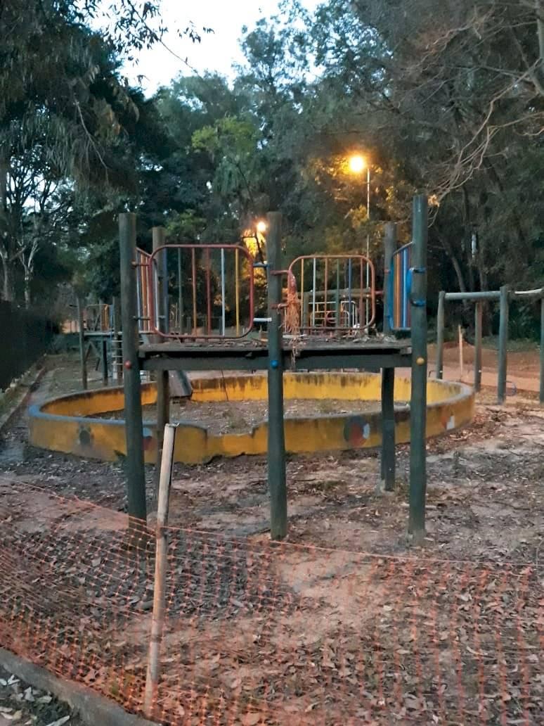 Brinquedos em más condições no parque Aclimação BandNews FM