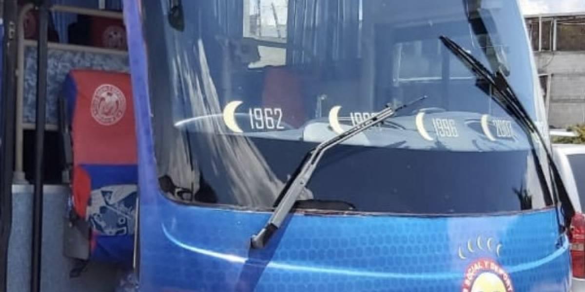 Ya se conocen los daños del autobus de Xelajú y el costo de reparación