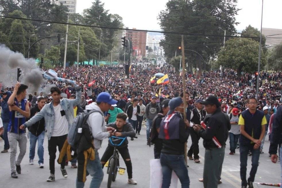 10.000 indígenas acampan en el Parque El Arbolito en víspera de masiva marcha API