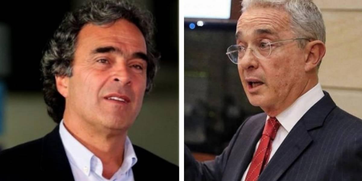 """La """"disimulada"""" forma en la que Uribe le dijo tibio a Fajardo"""