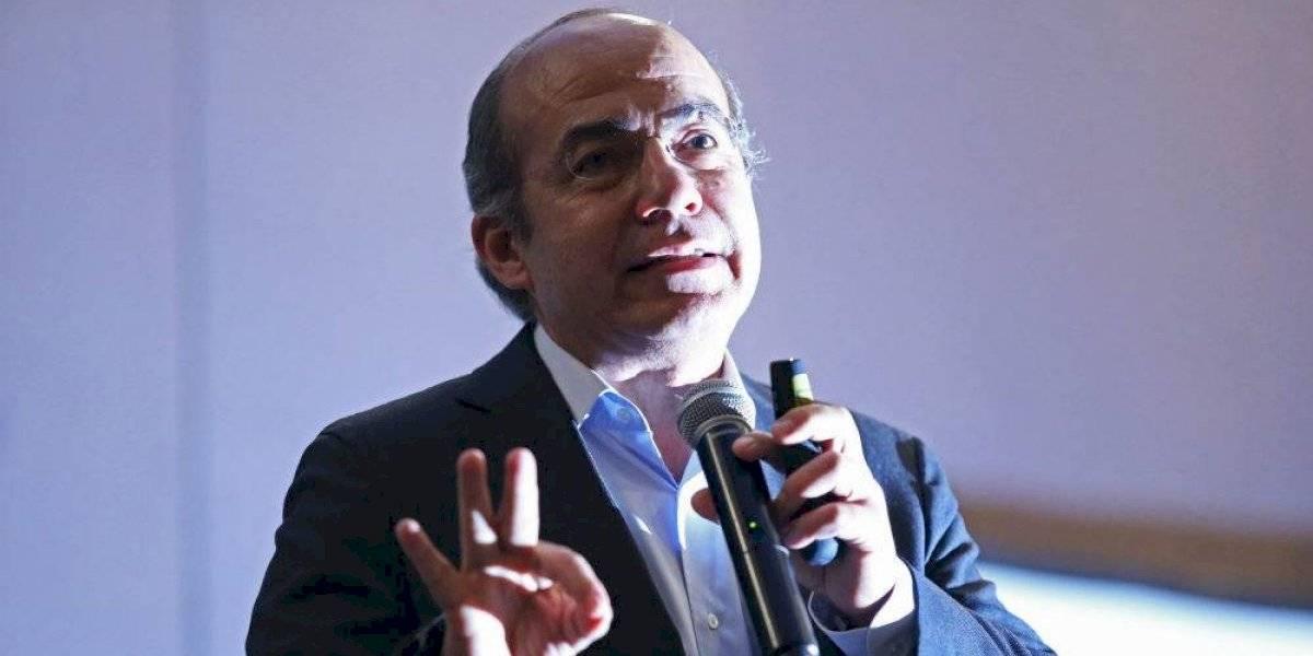 Calderón pide a rector del Tec de Monterrey cancelar su visita