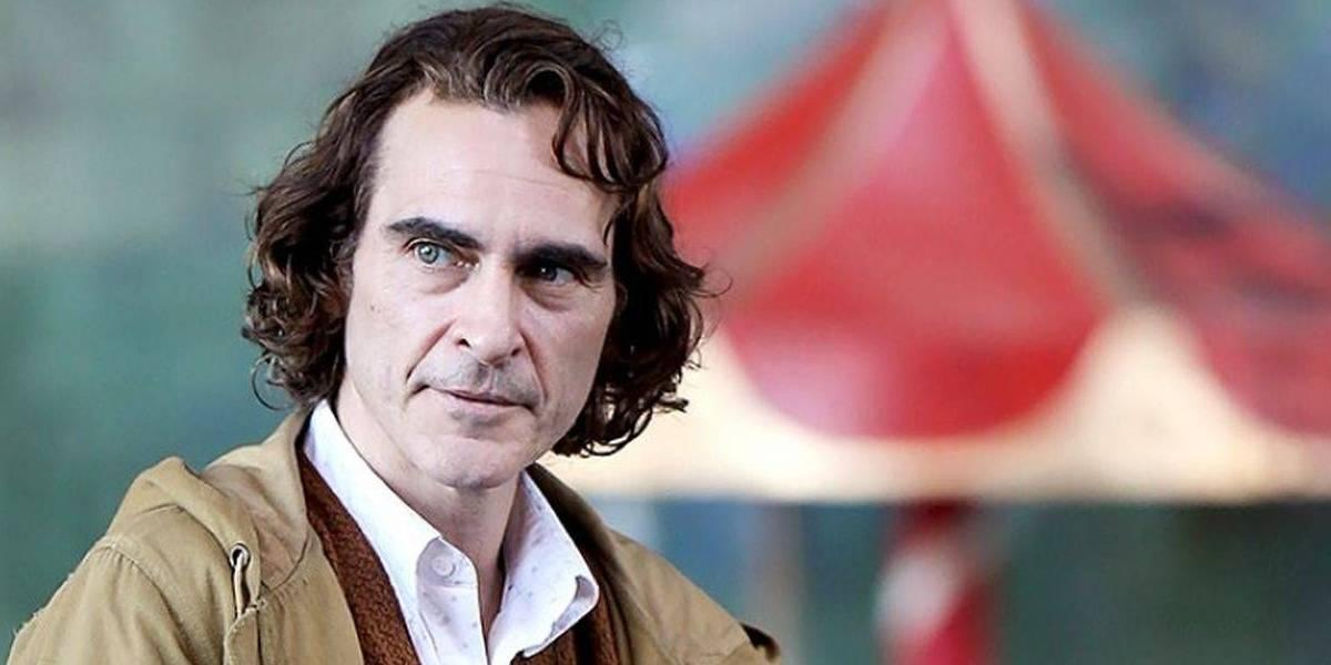 Joaquin Phoenix va a ver Joker a una sala de cine en LA y ríe a carcajadas para todos