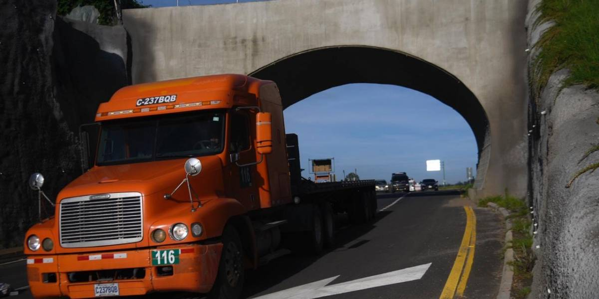Transportistas anuncian paro por nueva normativa