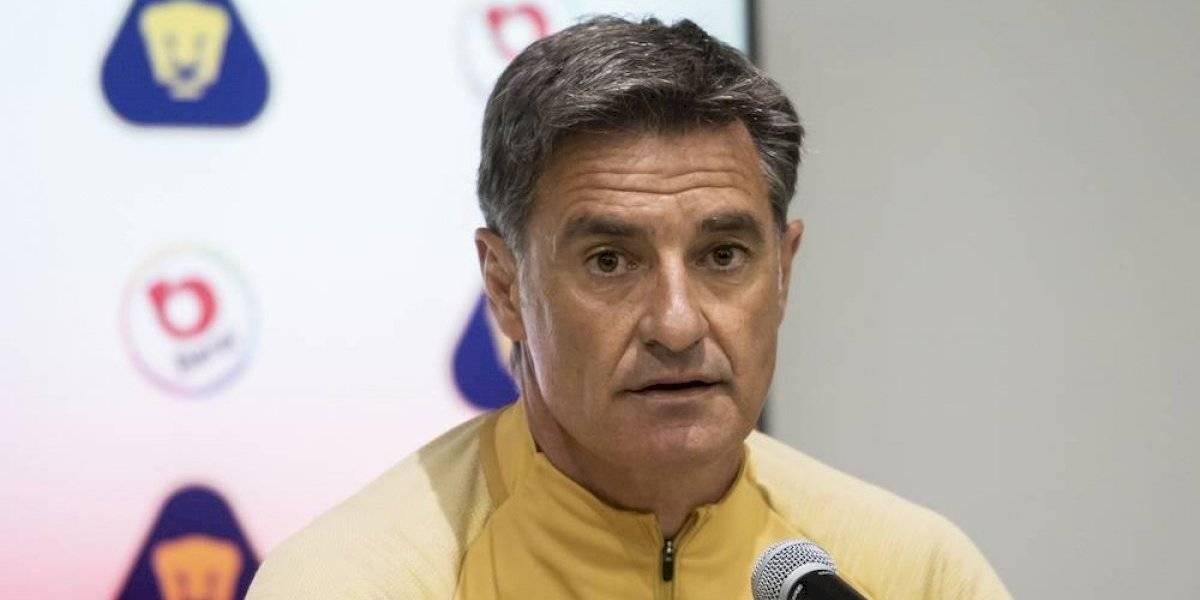 Míchel le pide a Lozano y Martina que se fijen más en Pumas