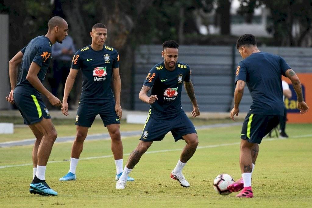 Neymar cumplirá cien partidos con Brasil