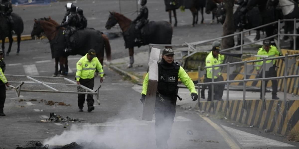 Paro Nacional: Bombas lacrimógenas afectaron a personal y pacientes del Hospital Eugenio Espejo