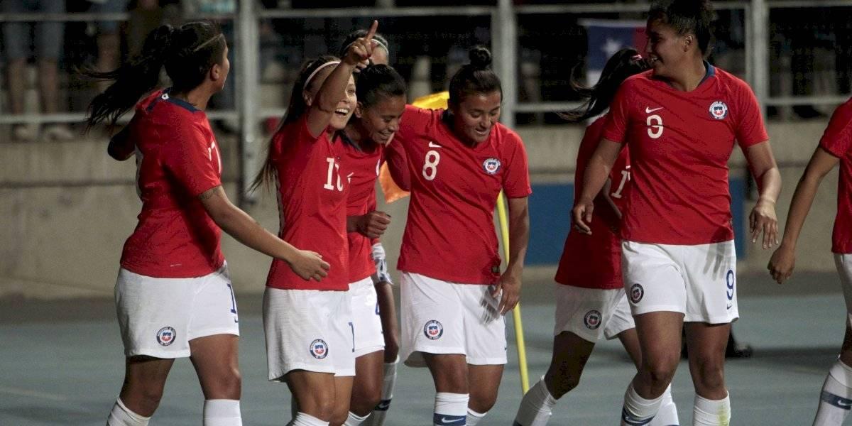 La Roja Femenina despertó en el segundo tiempo para remontar y quedarse con el triunfo ante Uruguay