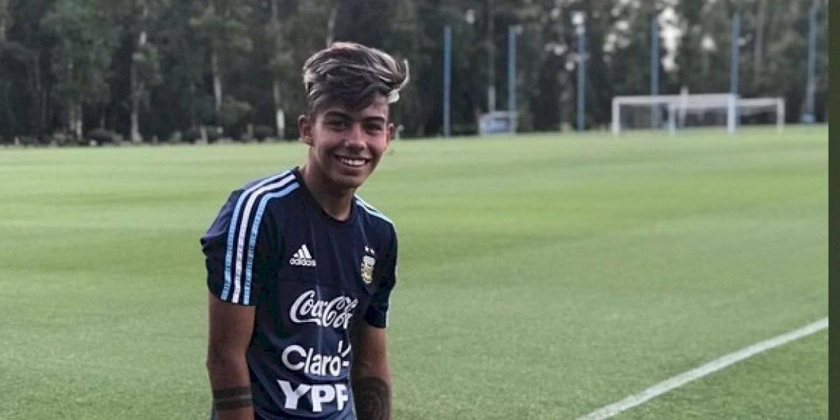 Futbolista es recibido como héroe en su prepa tras debutar como profesional