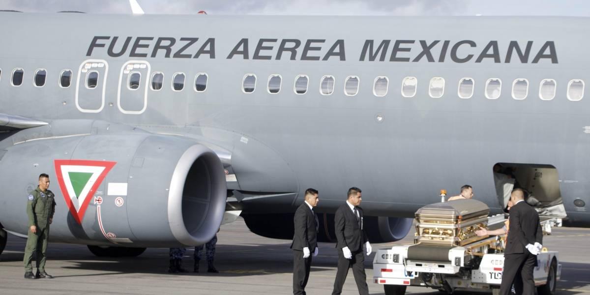 Los restos de José José ya se encuentran en México