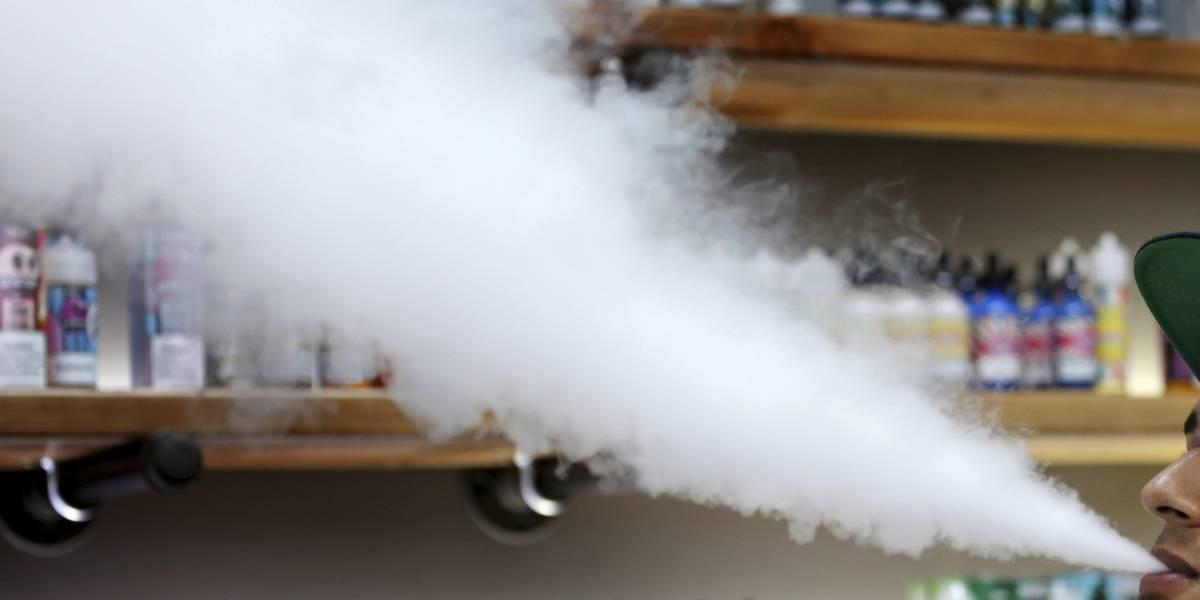 Salud pide a médicos que reporten cualquier caso relacionado a lesiones pulmonares por vapeadores
