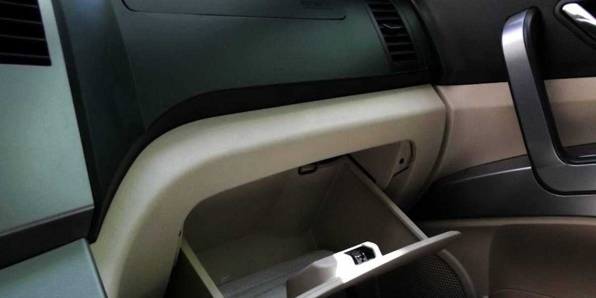Pareja encuentra billete de lotería en el interior de su auto con valor de 100,000