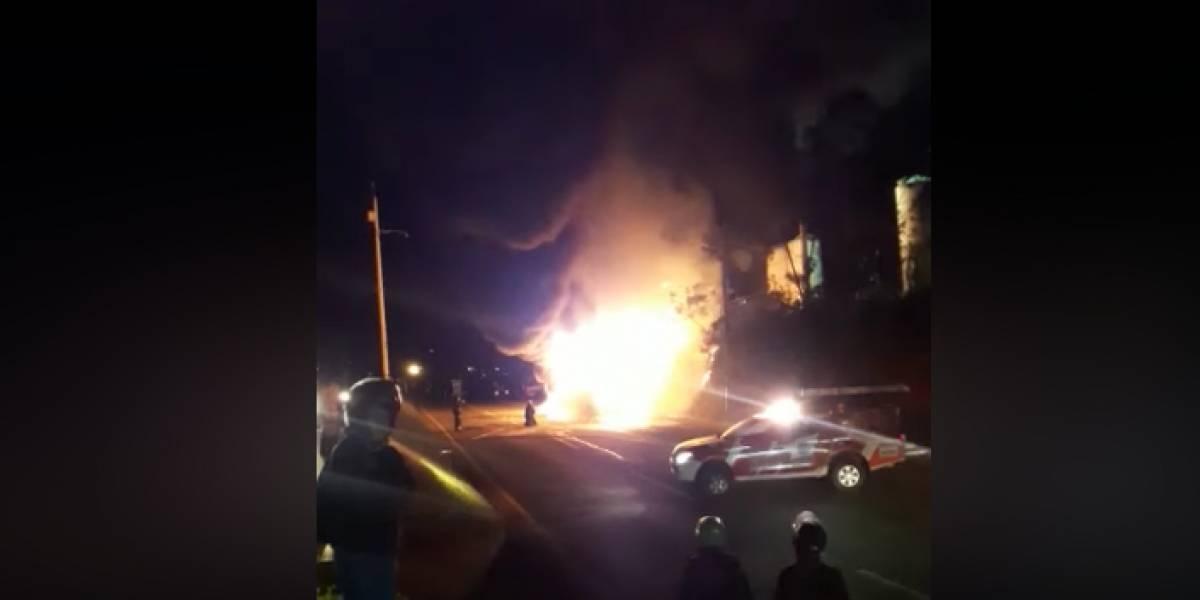 Bus se incendió con los pasajeros adentro, pero se alcanzaron a salvar de morir en Medellín