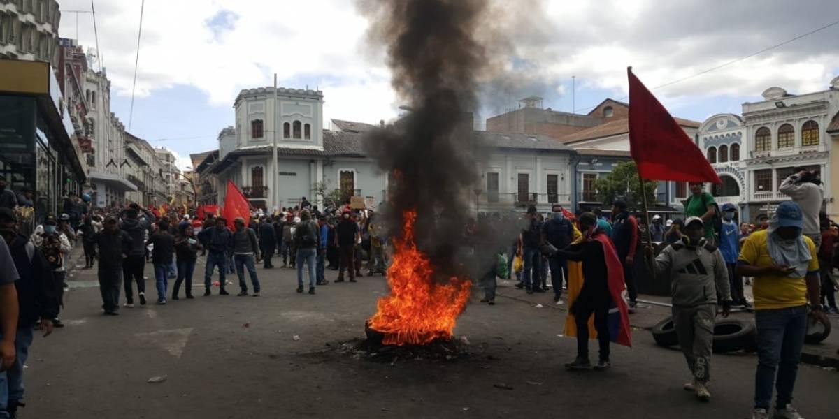 Paro nacional: Se registran enfrentamientos entre ciudadanos y miembros de la fuerza pública en la Plaza del Teatro
