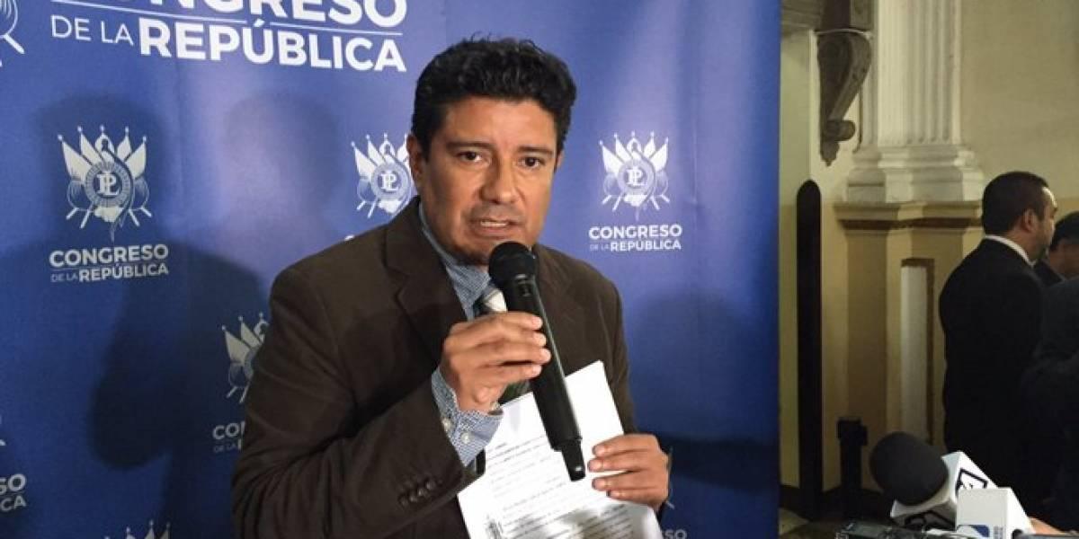 La UNE acciona con amparo por decisión del presidente Jimmy Morales de remover a directores de la CNEE