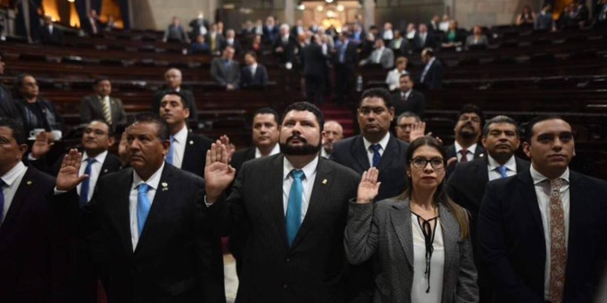 Con dudas juramentan a integrantes de la Comisión de Postulación en el Congreso