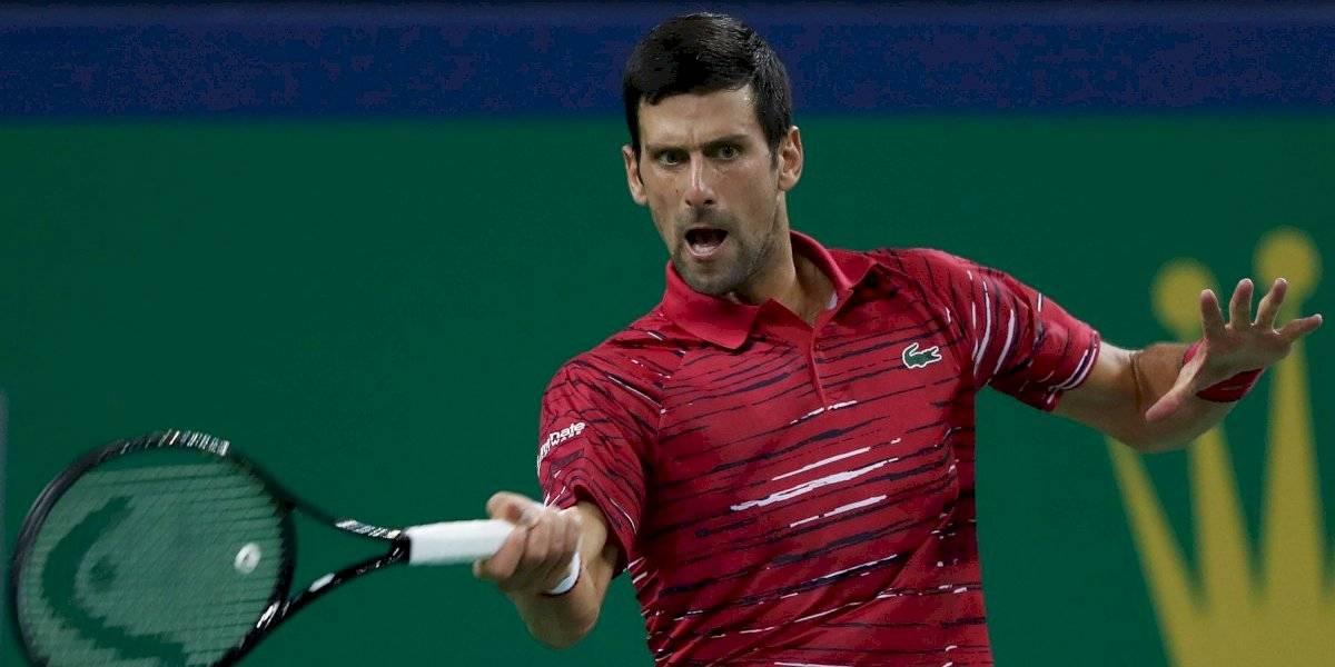 Novak Djokovic debuta en Shanghai con triunfo ante Shapovalov