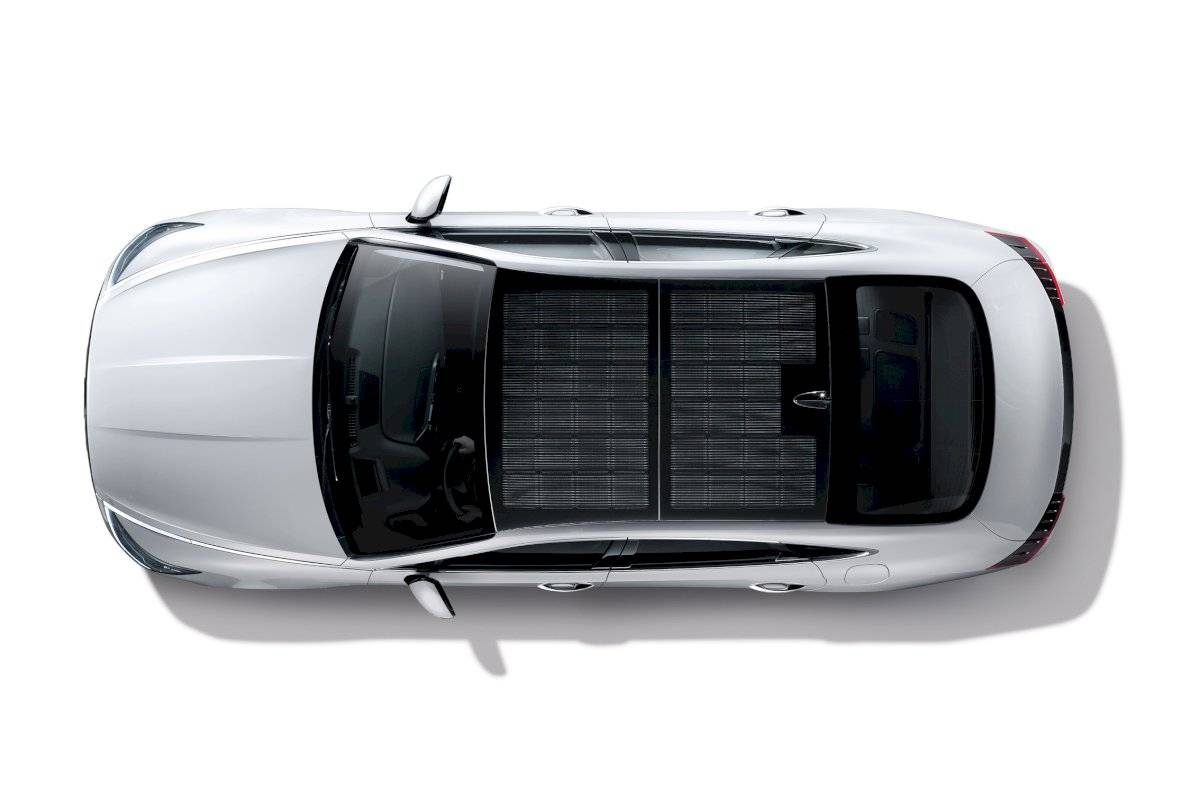 hyundai-solar-roof-charging-system