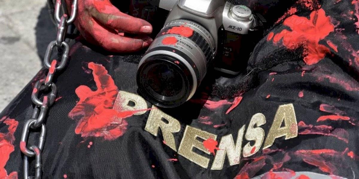 Apuñalan al periodista Manuel Treviño; su estado de salud es delicado