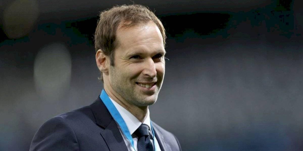 Petr Cech ahora será jugador profesional de hockey
