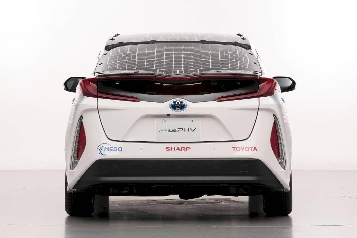 Toyota Prius PHV solar