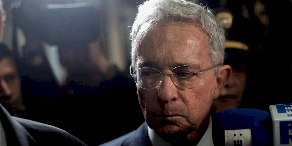 """Las explicaciones de Uribe para su """"extrema derecha"""""""