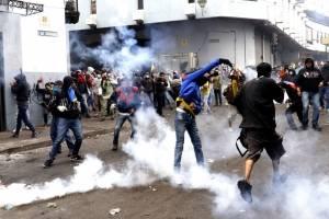 ¿Hay solución? Fuertes enfrentamientos en la capital de Ecuador, durante el séptimo día de paro nacional
