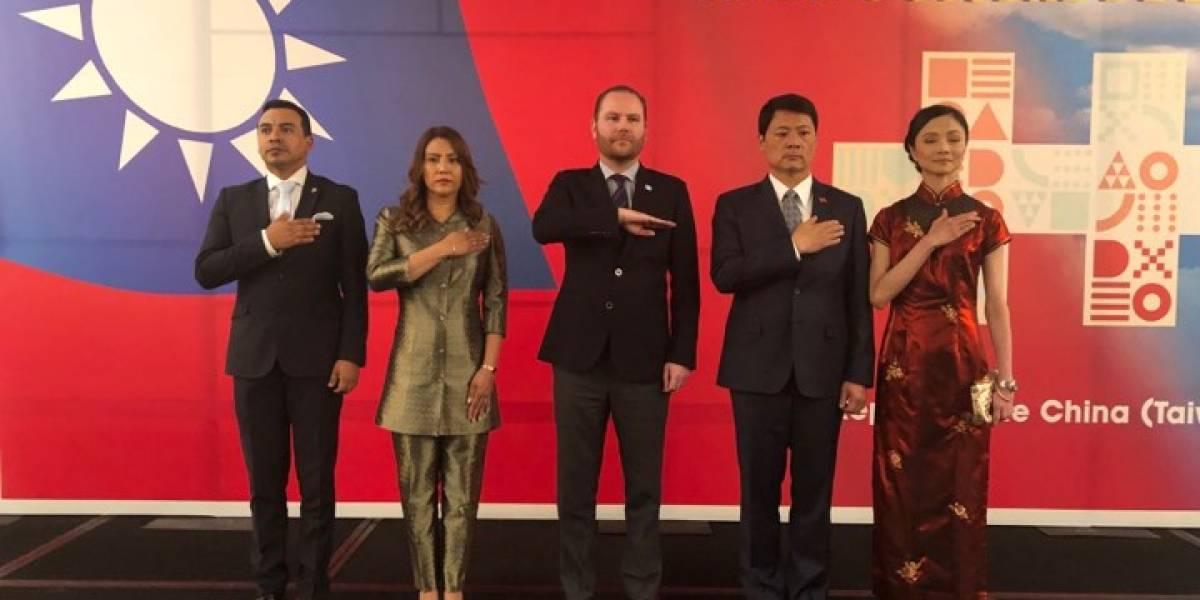 Celebran el 108 aniversario de la fundación de la República de China-Taiwán