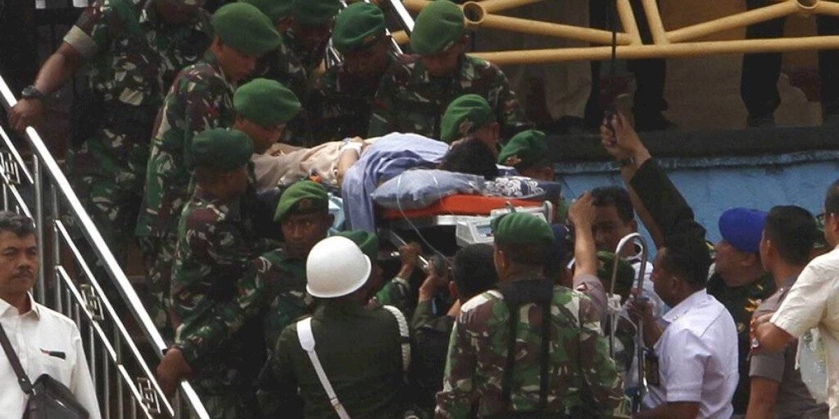 Apuñalan a ministro indonesio de Seguridad y jefe de policía