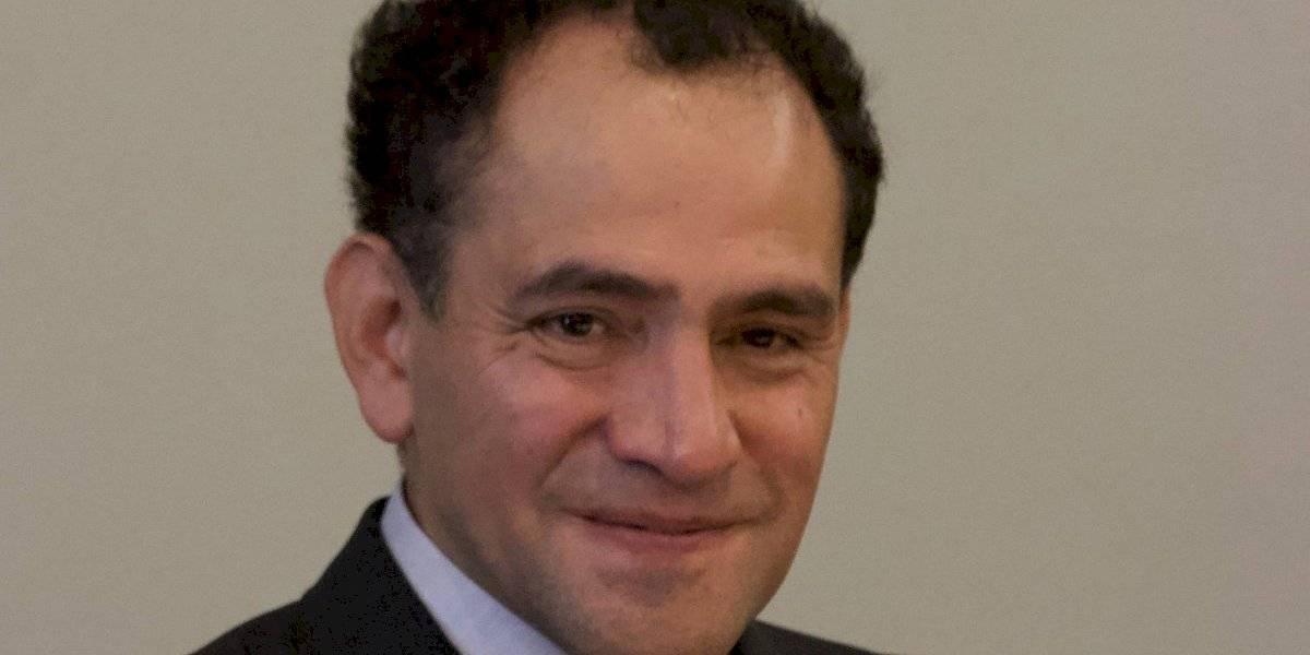 Responde Arturo Herrera a cuestionamiento de Felipe Calderón