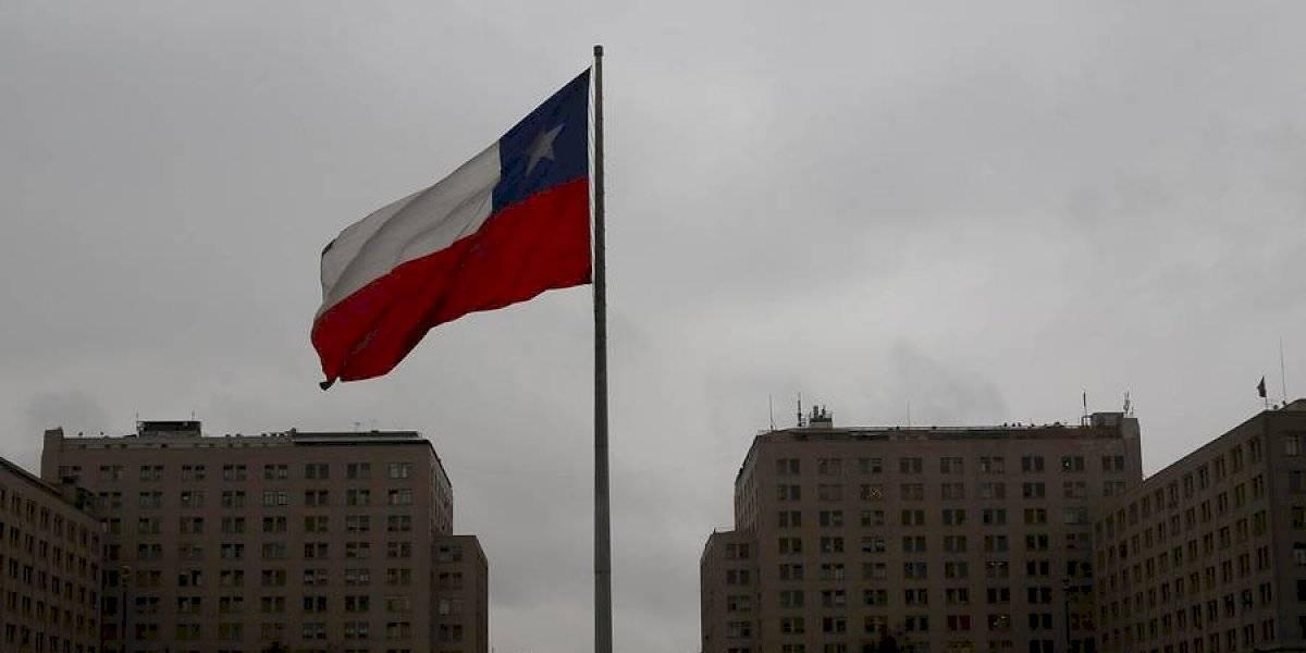 Nadie entiende nada: pronostican tormentas eléctricas y lluvias para Santiago y la zona central