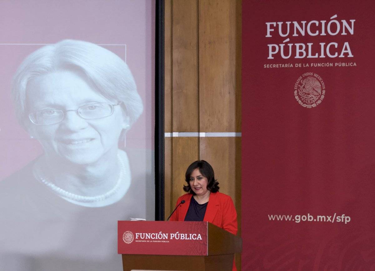 """Susan Rose-Ackerman, encabezó la conferencia magistral, """"Combate a la corrupción desde el derecho administrativo""""."""