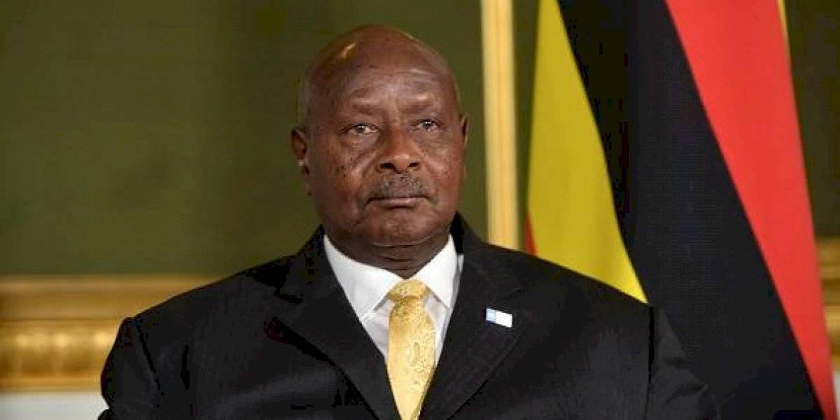 """Uganda anuncia indignante proyecto para """"matar a los gays"""": Gobierno busca castigar con la pena de muerte a los homosexuales"""
