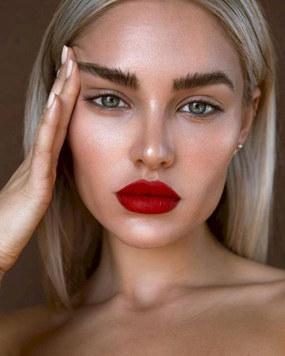 Maquillaje sencillo de día