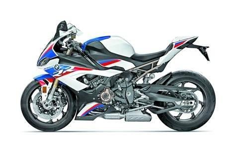 BMW presentó la nueva S100RR, una motocicleta deportiva con 205 caballos de potencia.