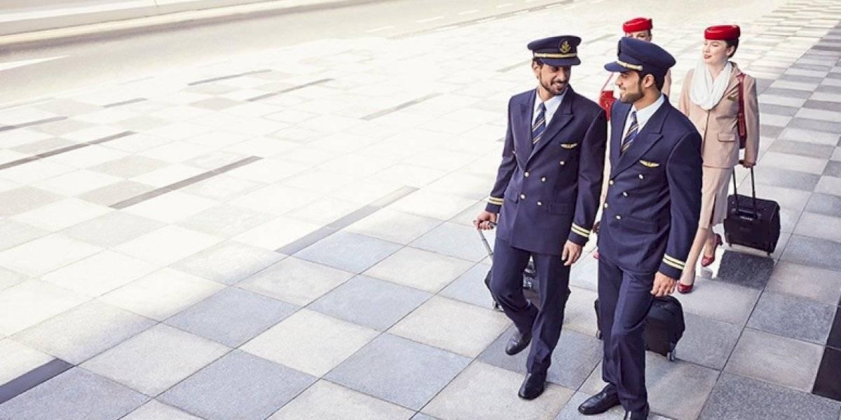 ¿Te gusta viajar y necesitas pega? Esta aerolínea árabe requiere de nuevos tripulantes de cabina y los busca en Chile
