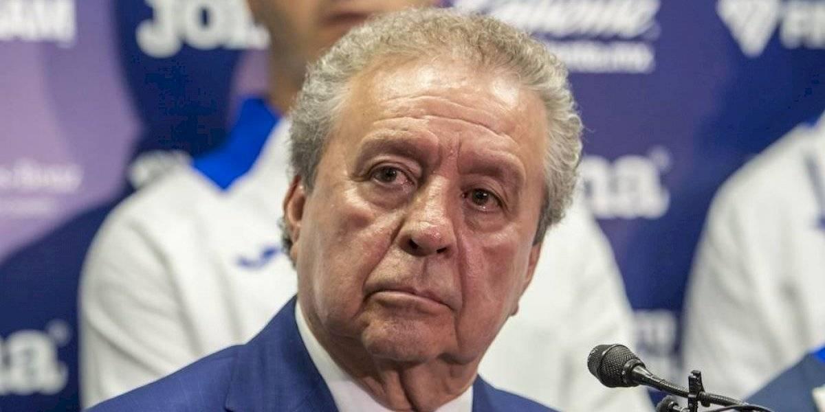 Víctor Garcés ya no quiere a Carlos Hurtado en Cruz Azul